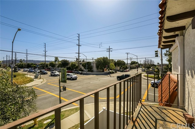 23418 Arlington Avenue, Torrance, California 90501, 3 Bedrooms Bedrooms, ,2 BathroomsBathrooms,Condominium,For Sale,Arlington,SB19081199