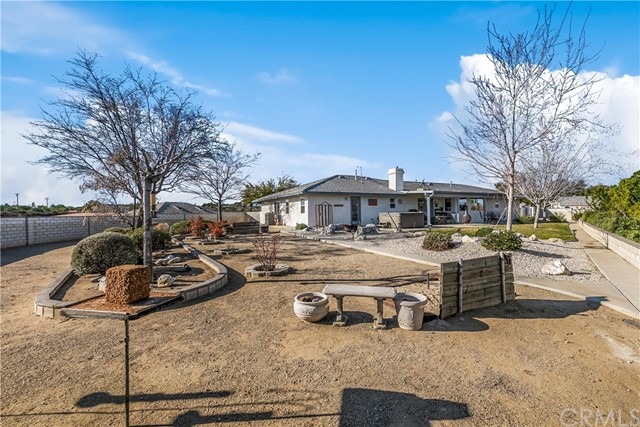 10260 Whitehaven St, Oak Hills, CA 92344 Photo 9