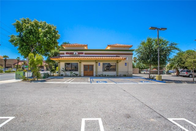 137 S Palm Avenue, Hemet, CA 92543