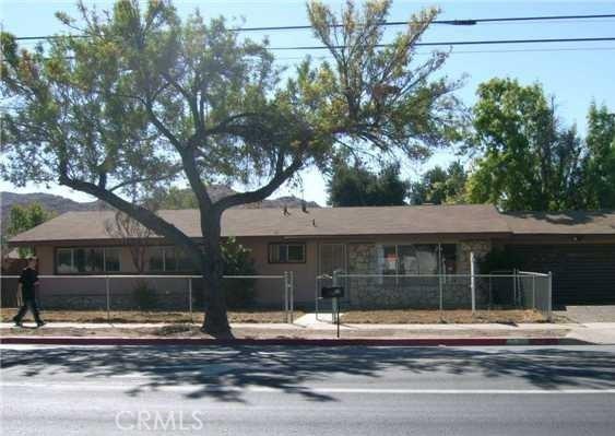 525 E Stetson Avenue, Hemet, CA 92543