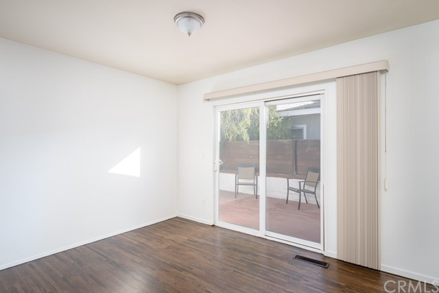 609 35th Street, Manhattan Beach, California 90266, 4 Bedrooms Bedrooms, ,1 BathroomBathrooms,For Sale,35th,SB20233626