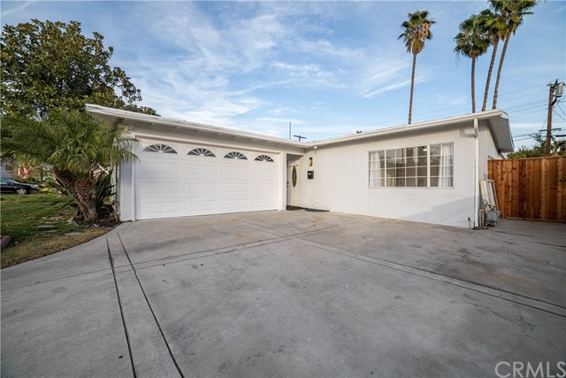 1318 N Beachwood Drive, Burbank, CA 91506