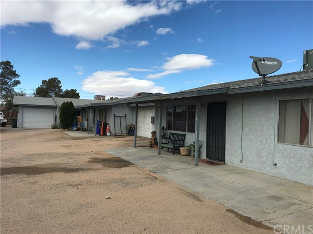 13252 Navajo Road, Apple Valley, CA 92308
