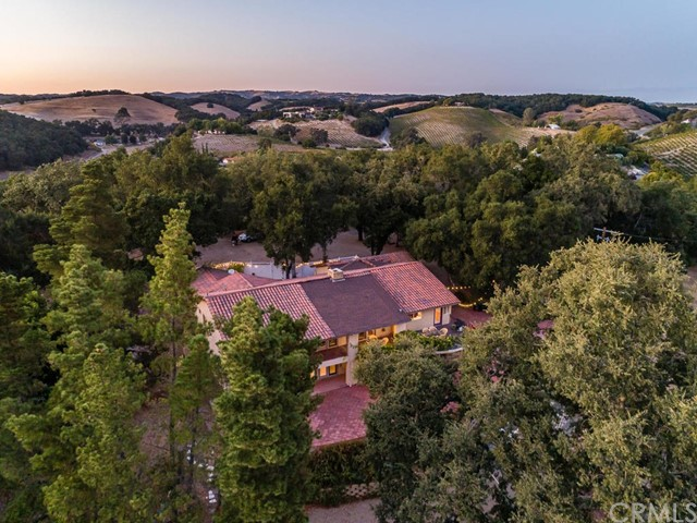 2975 Vineyard Drive, Templeton, CA 93465