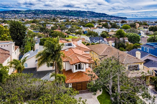 700 Avenue C, Redondo Beach, CA 90277
