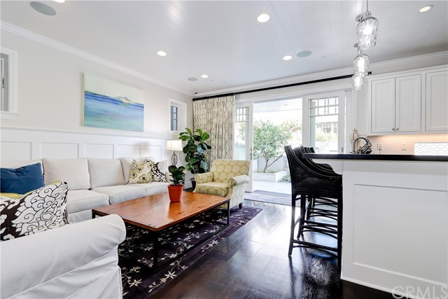 125 8th Street, Manhattan Beach, California 90266, 5 Bedrooms Bedrooms, ,3 BathroomsBathrooms,For Sale,8th,SB20095867