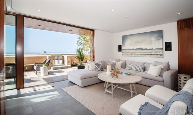 732 The Strand, Hermosa Beach, California 90254, 3 Bedrooms Bedrooms, ,4 BathroomsBathrooms,For Sale,The Strand,SB20228603
