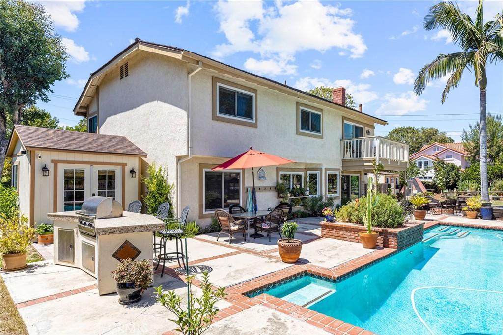 25952     Sheriff Road, Laguna Hills CA 92653