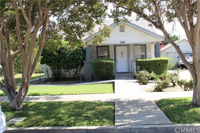 748 W E Street, Colton, CA 92324