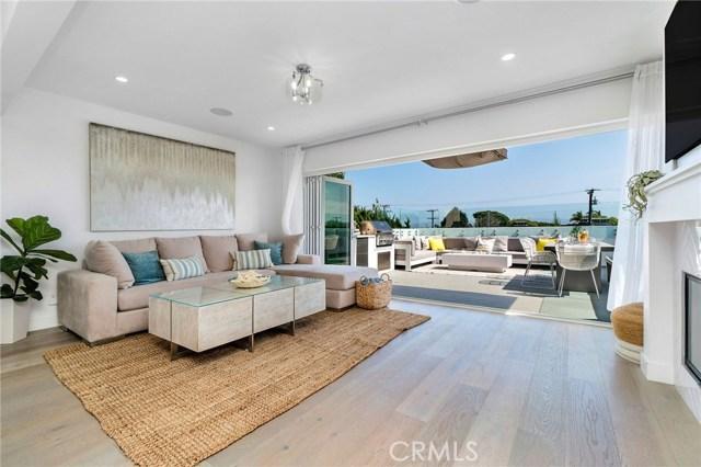 728 Longfellow Avenue, Hermosa Beach, California 90254, 4 Bedrooms Bedrooms, ,3 BathroomsBathrooms,For Sale,Longfellow,SB20100175