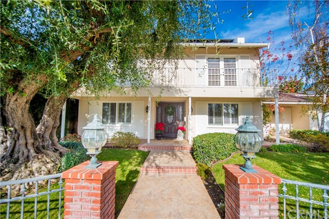 2741 E Palmyra Avenue, Orange, CA 92869