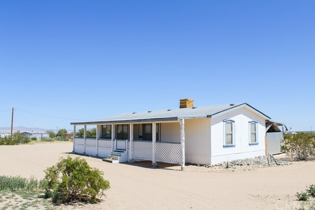 2365 Booth Road, Landers, CA 92285