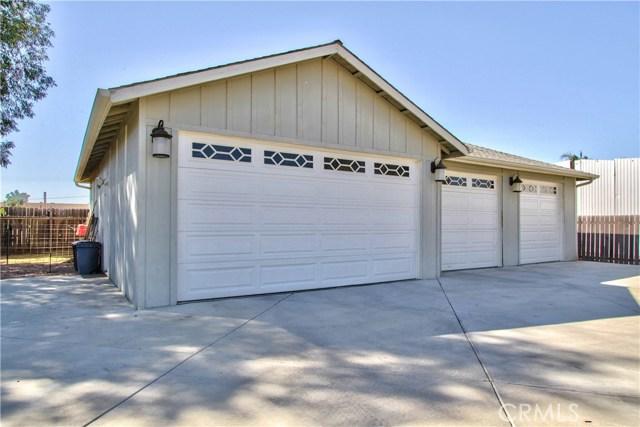 Detached 4 car garage