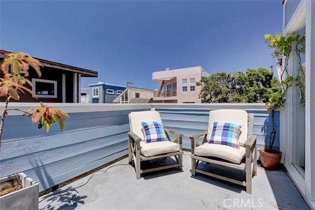 23. 440 31st Street Manhattan Beach, CA 90266