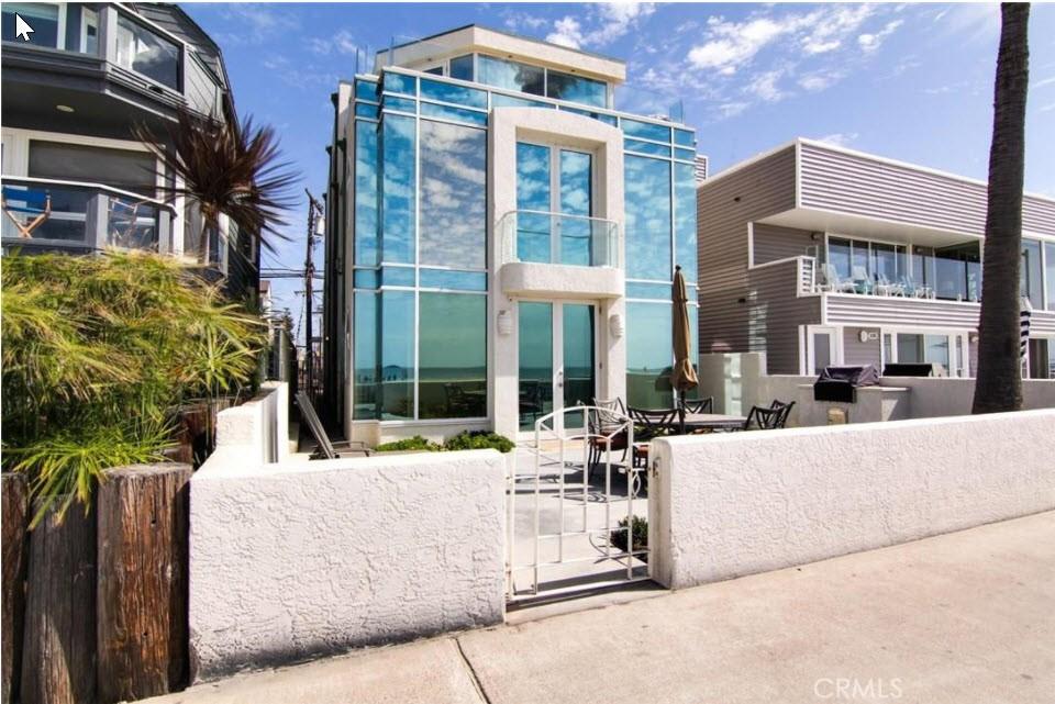 2911 Ocean Front Walk Pacific Beach, CA 92109