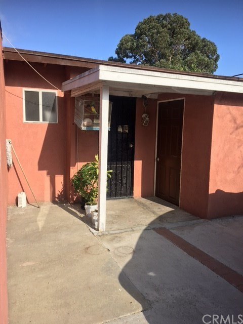 10614 S Hoover St, Los Angeles, CA 90044 Photo 10