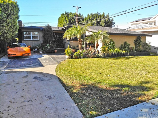 2857 Iroquois Avenue, Long Beach, CA 90815