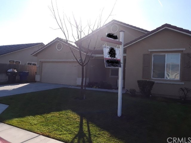 1865 W Summer Blossom Way, Hanford, CA 93230