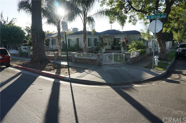 720 W Saint Gertrude Place, Santa Ana, CA 92707