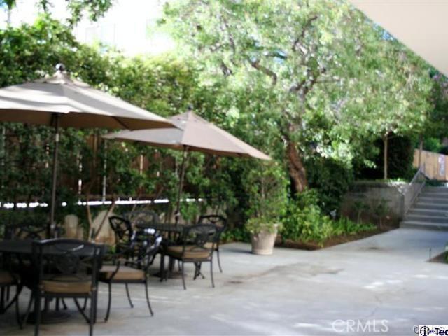 330 W California Bl, Pasadena, CA 91105 Photo 16