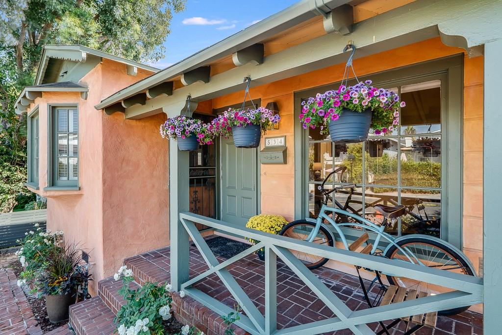 534 Marine Avenue, Manhattan Beach, California 90266, 3 Bedrooms Bedrooms, ,2 BathroomsBathrooms,For Sale,Marine,SB19248669