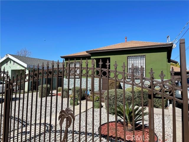 1827 E 111th St, Los Angeles, CA 90059