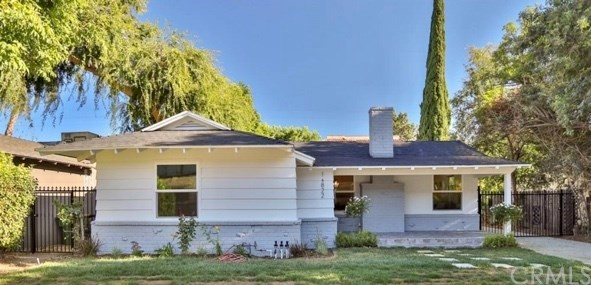 15822 Magnolia Boulevard, Encino, CA 91436