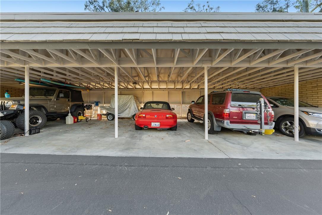 22386 Canyon Club Drive, Canyon Lake CA: https://media.crmls.org/medias/2452d4de-5189-44be-8e37-812033628c78.jpg
