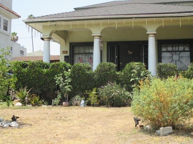 617 N Mariposa Avenue, Los Angeles, CA 90004