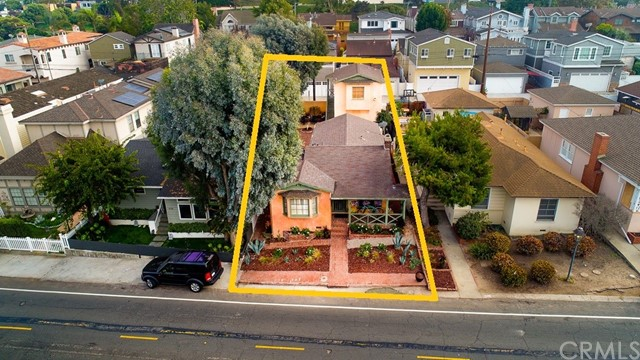 534 Marine Avenue, Manhattan Beach, California 90266, 3 Bedrooms Bedrooms, ,2 BathroomsBathrooms,For Sale,Marine,SB19248669