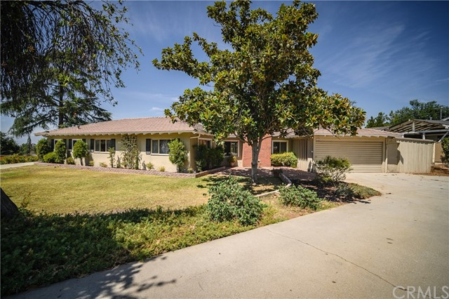 523 E Mariposa Drive, Redlands, CA 92373