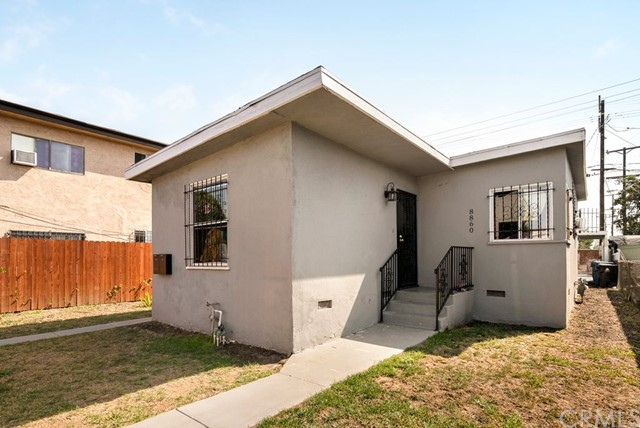 8860 S Central Avenue, Los Angeles, CA 90002