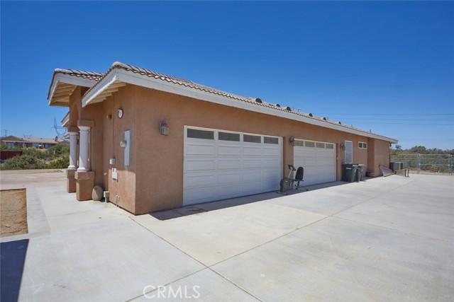 7760 Barker Rd, Oak Hills, CA 92344 Photo 3