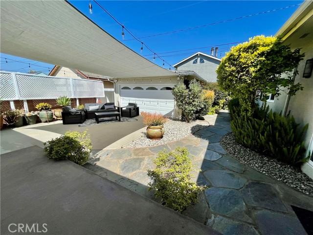 31. 3172 Ostrom Avenue Long Beach, CA 90808