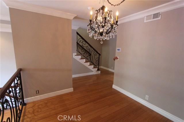 310 Emerald Street E, Redondo Beach, California 90277, 2 Bedrooms Bedrooms, ,2 BathroomsBathrooms,For Rent,Emerald,PV20028587