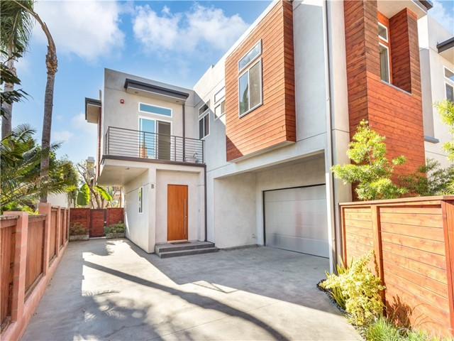 2108 Gates Avenue B, Redondo Beach, California 90278, 4 Bedrooms Bedrooms, ,4 BathroomsBathrooms,For Sale,Gates,SB20231175