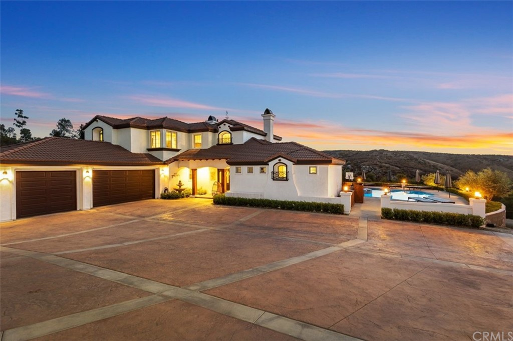 Photo of 2048 Middle Creek Road, Riverside, CA 92506