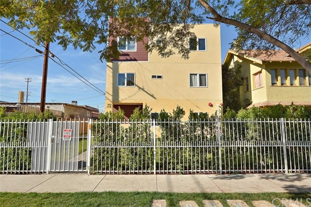3117 Raymond Avenue, Los Angeles, CA 90007