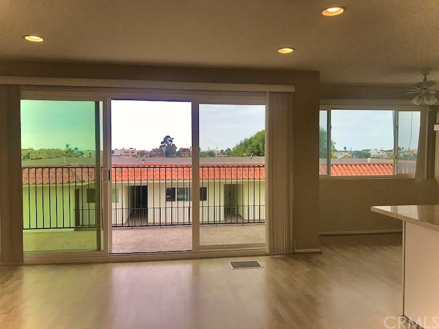 1720 Ardmore Avenue 328, Hermosa Beach, California 90254, 1 Bedroom Bedrooms, ,1 BathroomBathrooms,For Sale,Ardmore,RS20224669