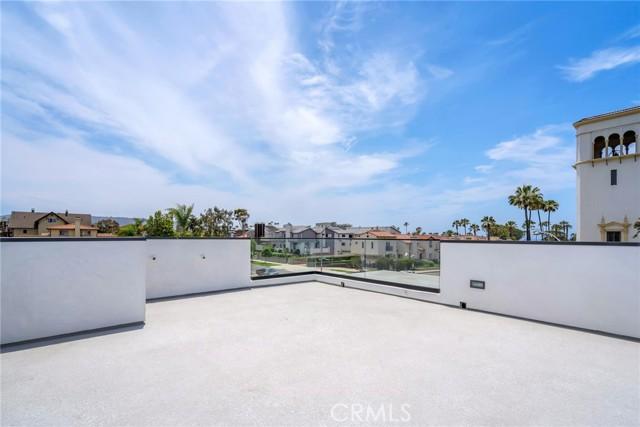 31. 242 S Broadway Redondo Beach, CA 90277