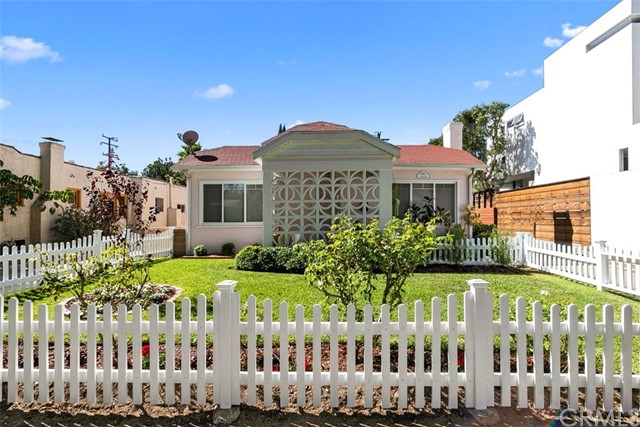 3337 Helms Avenue, Culver City, CA 90232