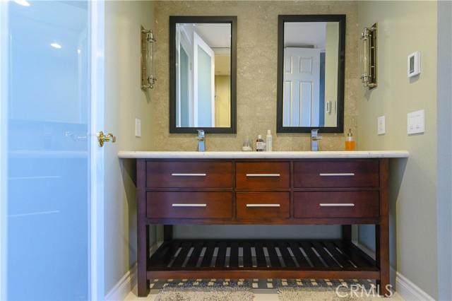 Vanity in Master ensuite with dual sinks