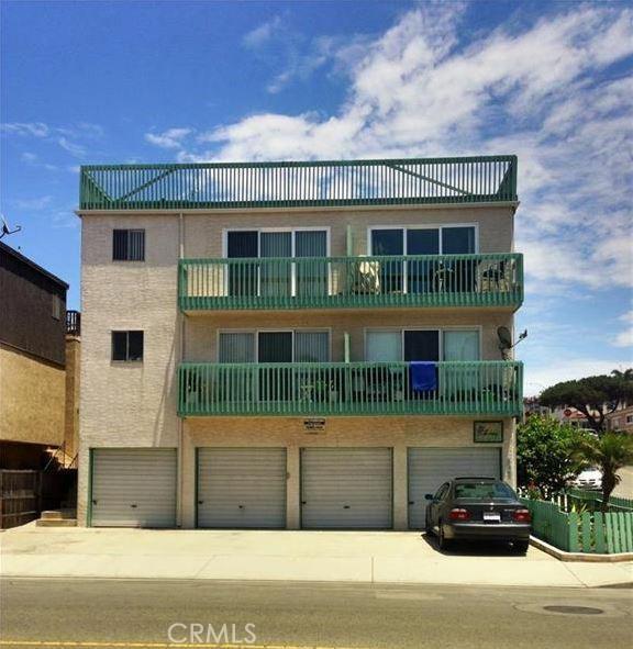 802 Monterey Boulevard, Hermosa Beach, California 90254, 2 Bedrooms Bedrooms, ,1 BathroomBathrooms,For Rent,Monterey,PV21148989