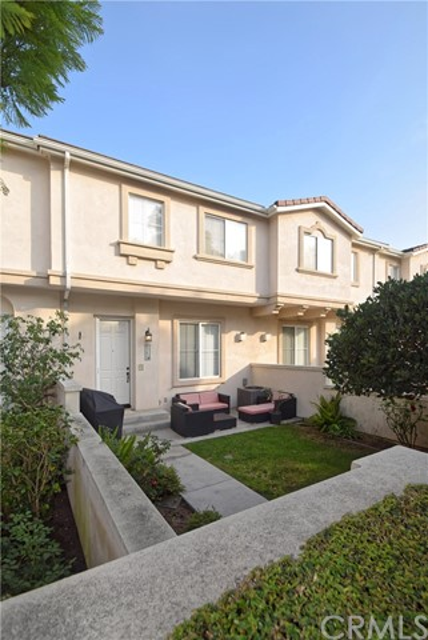 630 Meyer Lane C, Redondo Beach, California 90278, 3 Bedrooms Bedrooms, ,2 BathroomsBathrooms,For Rent,Meyer,SB18064868
