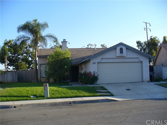 13725 Green Vista Drive, Fontana, CA 92337
