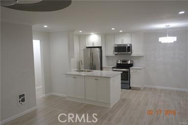 77 15th Street 4, Hermosa Beach, California 90254, 2 Bedrooms Bedrooms, ,2 BathroomsBathrooms,For Rent,15th,SB18064974