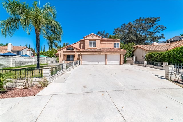 28612 Canyon Oak Drive, Highland, CA 92346