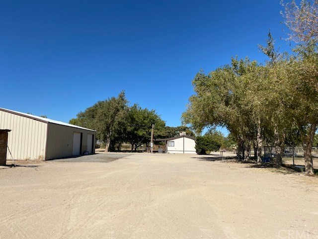 10892 Chickasaw Tr, Lucerne Valley, CA 92356 Photo 6