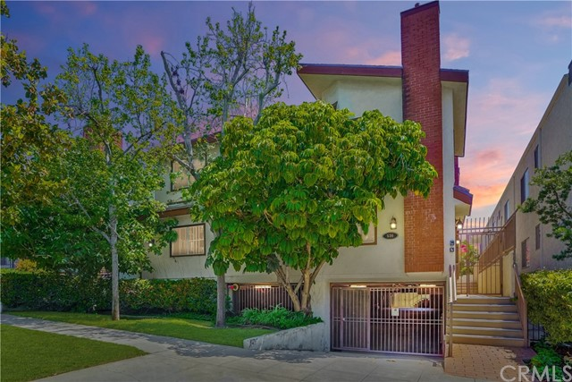 You will LOVE this spacious end unit, beautifully upgraded townhome in sought-after Burbank! 536 E. Magnolia Blvd unit #105 offers a light & airy design with 3 bedrooms, 2.5 bathrooms, contemporary new flooring, vaulted ceilings, ample balcony space & more. A large, flexible floor plan like this is perfect for your lifestyle! Enjoy the fireplace in the formal living room that opens to the formal dining area (also ideal as a game room). The kitchen under a tray ceiling opens to the family room (or make this your formal dining area) and offers granite counter tops, full granite back splash, a stove, microwave & dishwasher. Enjoy dining options at the breakfast bar or a more formal setting in the dining room. Also on the main level is the guest bathroom, staircase access to the exterior with parking structure below, & a tiled wrap-around patio perfect for potted plants & outdoor furniture. The second level offers 3 bedrooms, 2 bathrooms & a laundry area. Under a vaulted cathedral ceiling you have a large master suite with balcony access & full ensuite bathroom with dual sinks & granite vanity. 2 additional bedrooms feature vaulted ceilings, balcony access & mirrored closet doors. There is ample storage space with a large walk-in closet & more space under the staircase. There is also secured gated underground parking includes two assigned spaces plus a storage unit. We are nearby Old Town Burbank & the Burbank Town Center. Take a close look at this exceptional property today!