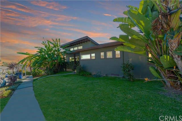 Photo of 5117 Dawn View Place, Windsor Hills, CA 90043